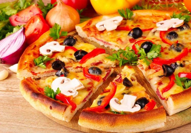 Πανεύκολη πίτσα νηστίσιμη!!!