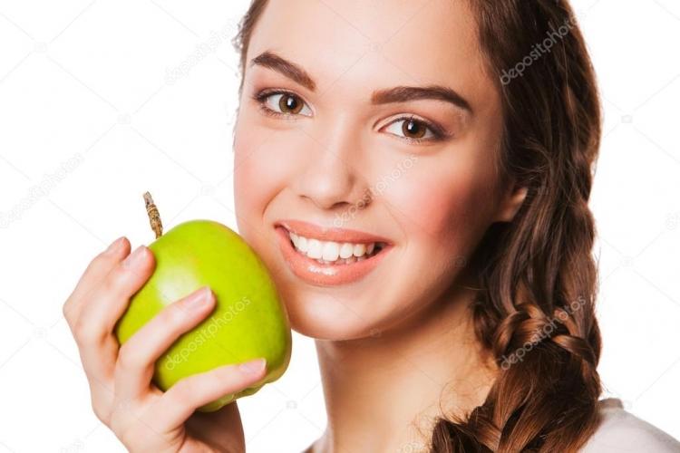 Ένα μήλο την ημέρα τις ρυτίδες κάνει πέρα