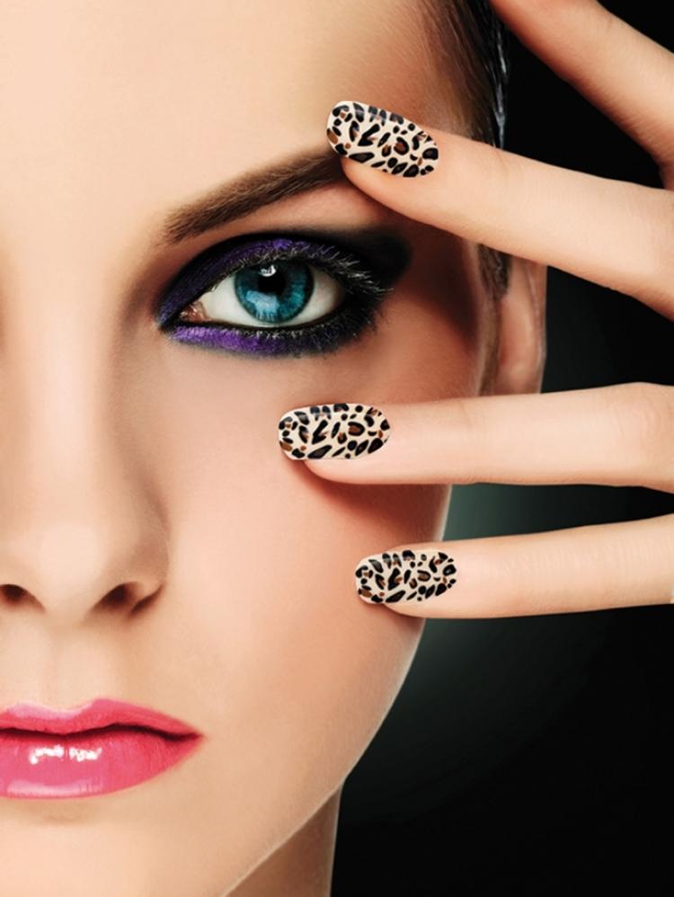 Γιορτινά νύχια στο  Salon de Beaute Stefania
